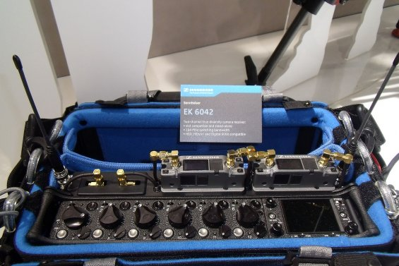 EK 6042 v Sound Devices SL-6